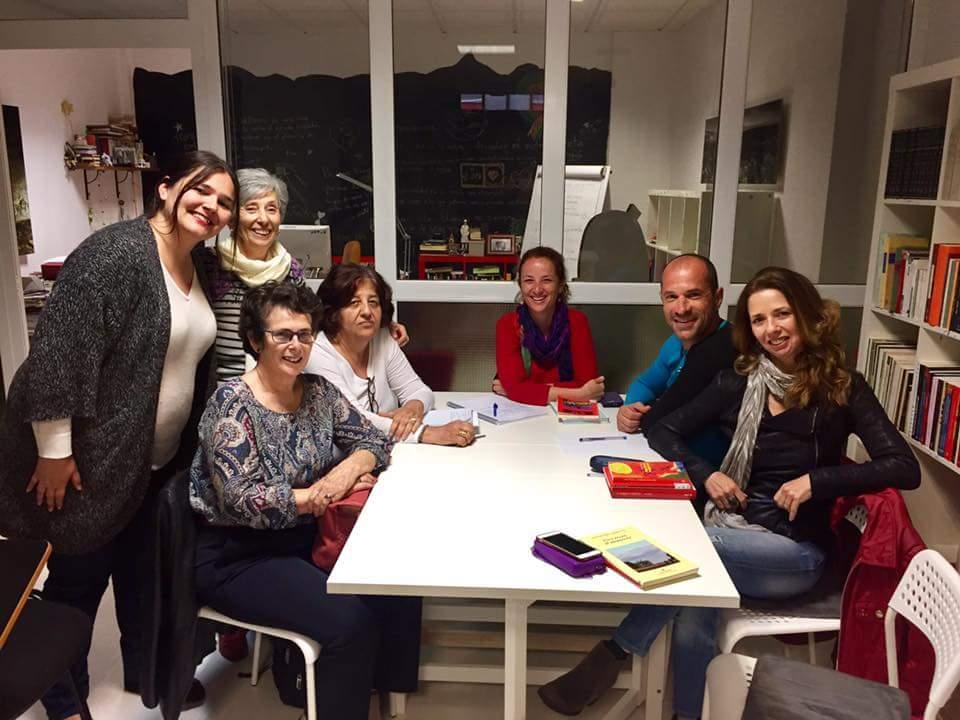 Club de lectura escuela literaria for Piscinas vacias laura ferrero